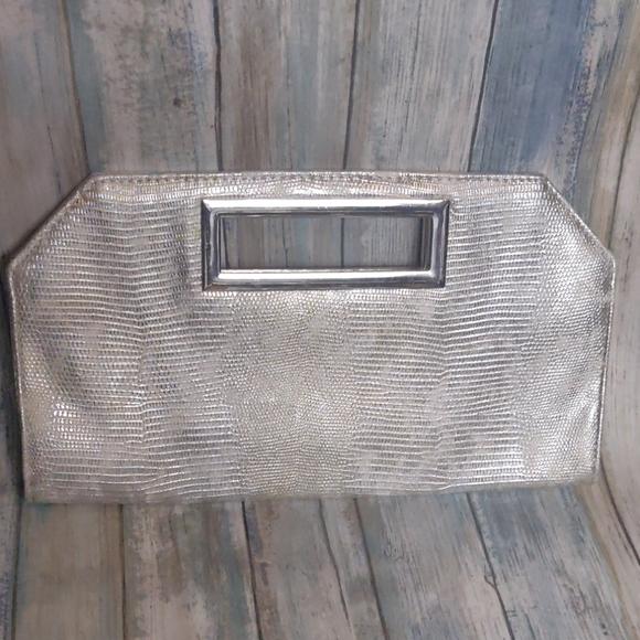 Express Handbags - Express clutch